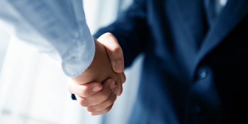 VP_Blog_At-Victory-Packaging-Our-Handshake-Carries